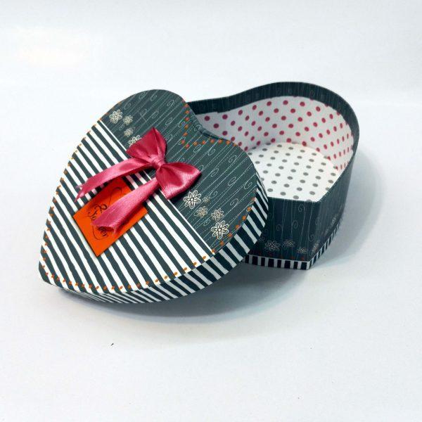 جعبه کادو هدیه ولنتاین(جعبه کادو هدیه طرح قلب) سایز 1
