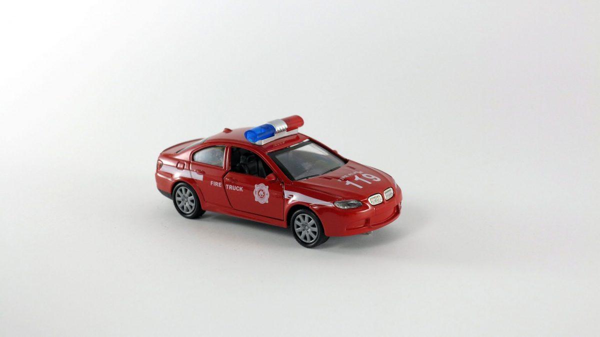 ماشین فلزی پلیس قدرتی