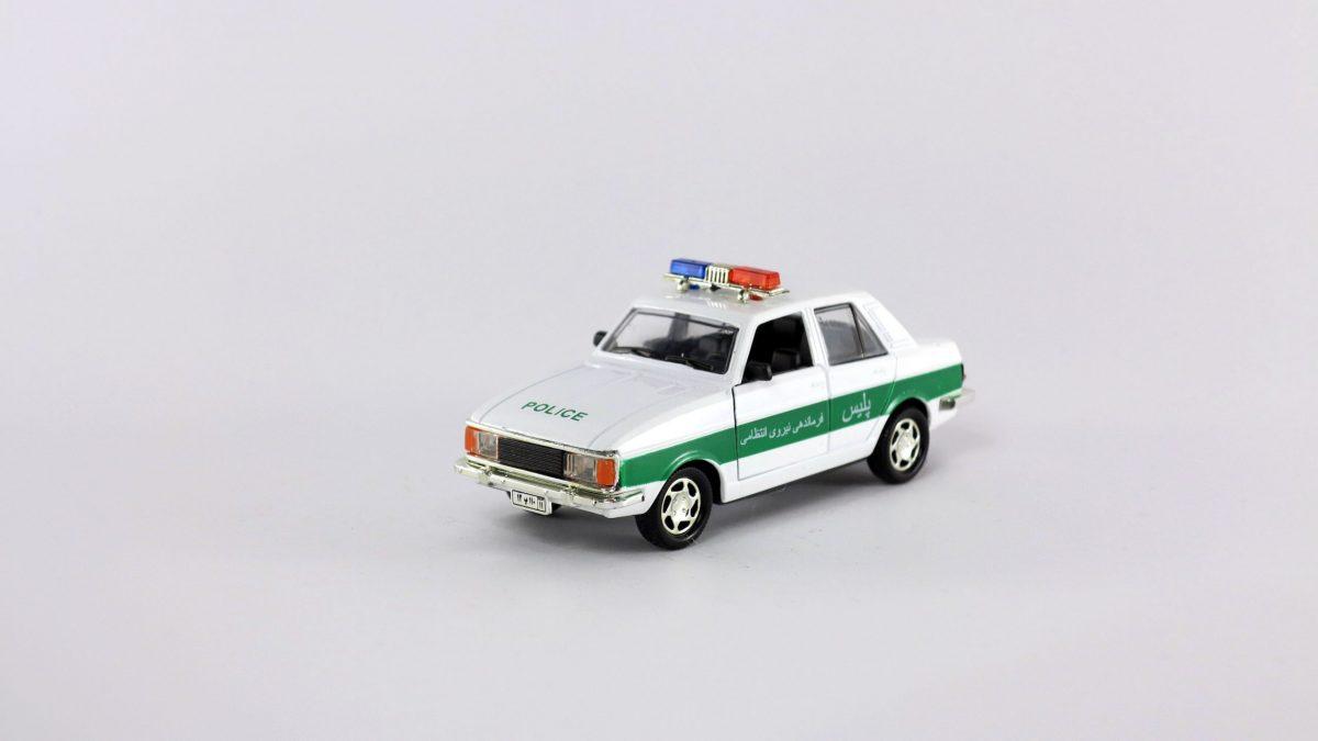 ماشین فلزی پیکان پلیس 110