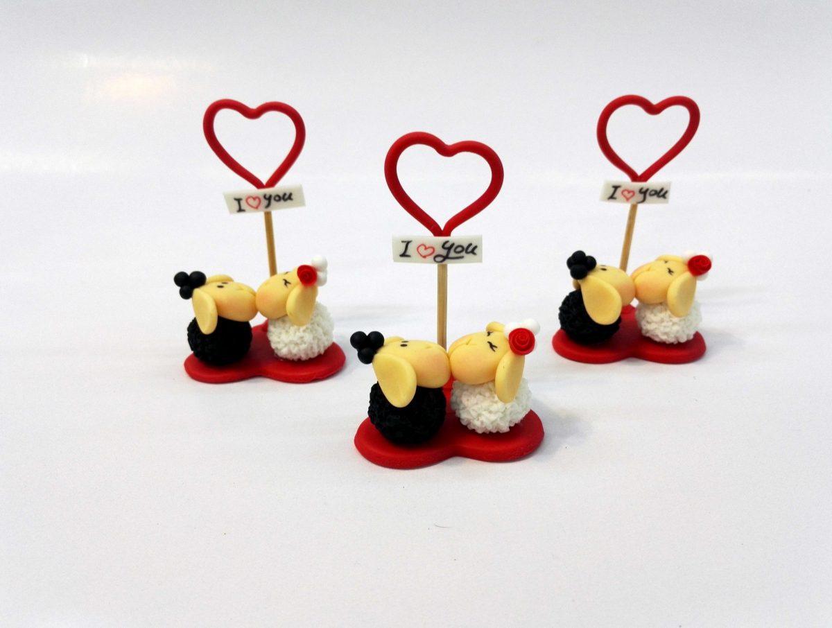 مجسمه خمیری گوسفند عاشق ولنتاین (هدیه ولنتاین گوسفند عاشق)